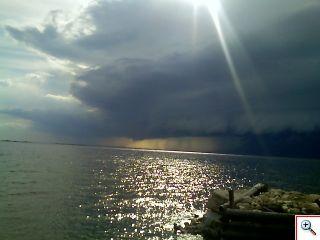 Storm over_Sister_Bay_18Jun06_1